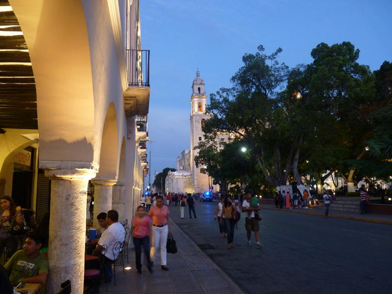 Early in the Evening in Mérida